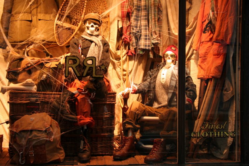 25 Examples of Halloween Retail Displays to Inspire You - Skeleton Mannequin Window - Halloween Retail Displays - Halloween Retail Ideas - Halloween Display Ideas