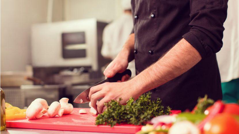 5 Ways Restaurant Technology Saves Money