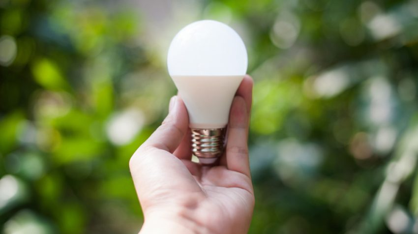 Dimes to Dollars: 10 Energy Saving Tips That Add Up