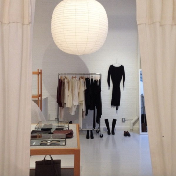 25 Eye Popping Pop-up Shop Examples to Inspire Your Small Business - Japanese Pop-up in New York
