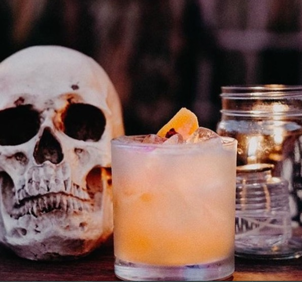 25 Eye Popping Pop-up Shop Examples to Inspire Your Small Business - Halloween Drinks Pop-up