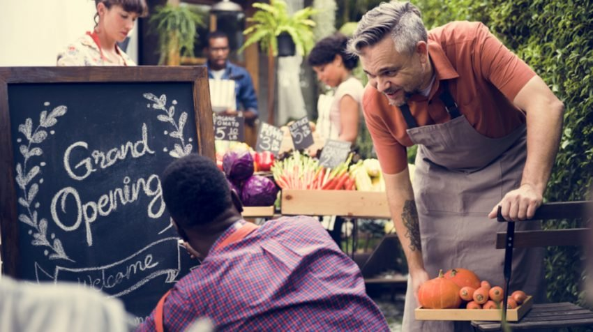 Upselling and Cross-Selling Tips for Selling More to Your Retail Customers