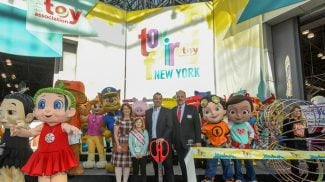 Small Toy Companies Can Compete and Thrive While Toys R Us Announces Store Closings