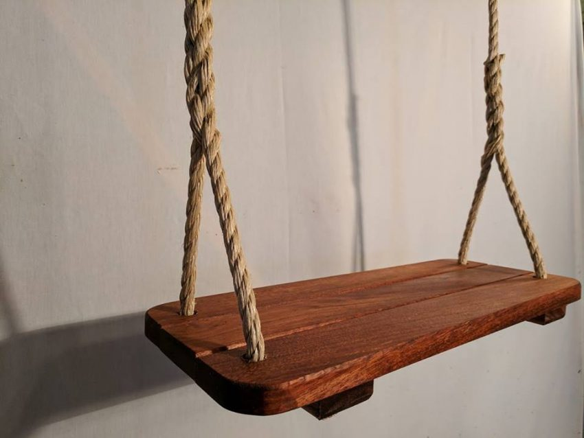 Spotlight: Former Contractor Breaks into Ecommerce Business After Retirement with Wood Tree Swings