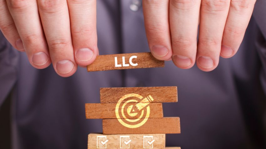 The Difference Between an LLC and S Corp