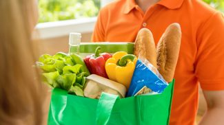 Roadie Delivery Service is Crowdsourcing Local Delivery for Small Grocery Stores