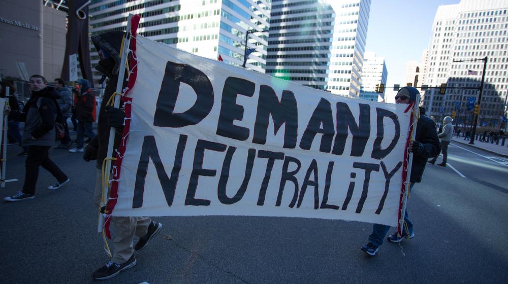 Senate Votes to Reinstate Net Neutrality