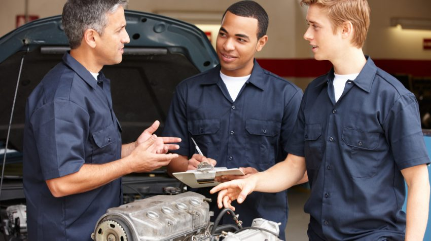 5 Tips for Selecting the Best Uniform Vendor for Your Automotive Business