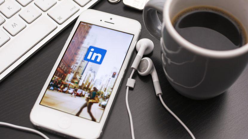 11 LinkedIn Experts Share Their Best LinkedIn Hacks for Marketing