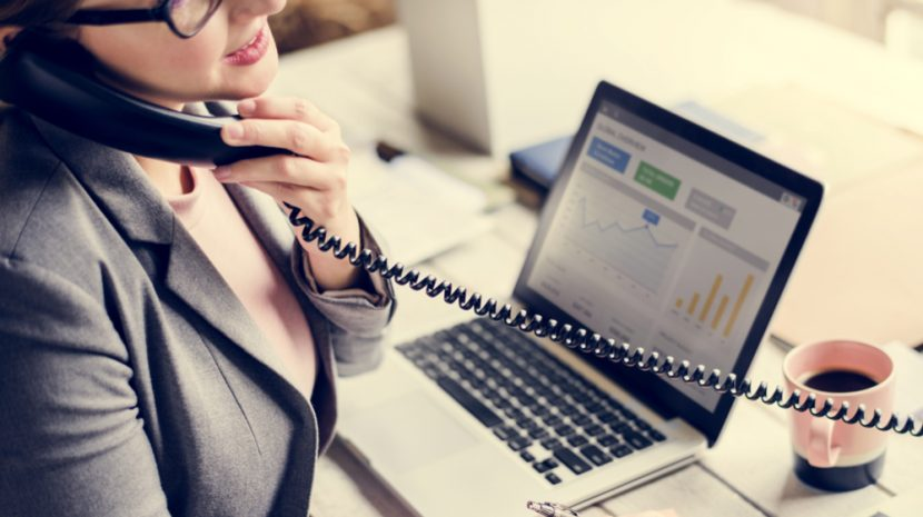 6 Ways Answering Small Business Phone Calls Harms Your Company, and What You Should Do Instead