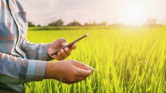 20 Agricultural Apps for Your Farm Business