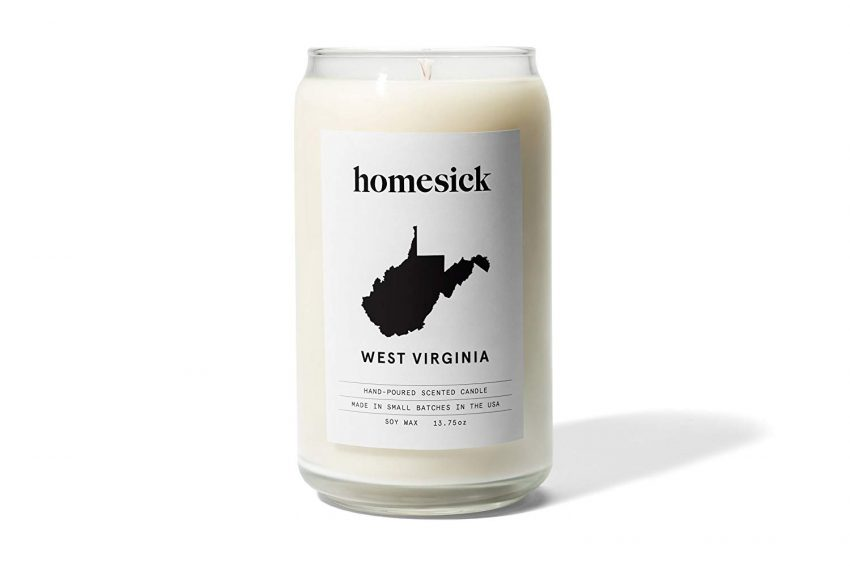 20 Christmas Gifts for Coworkers - Homesick Candle