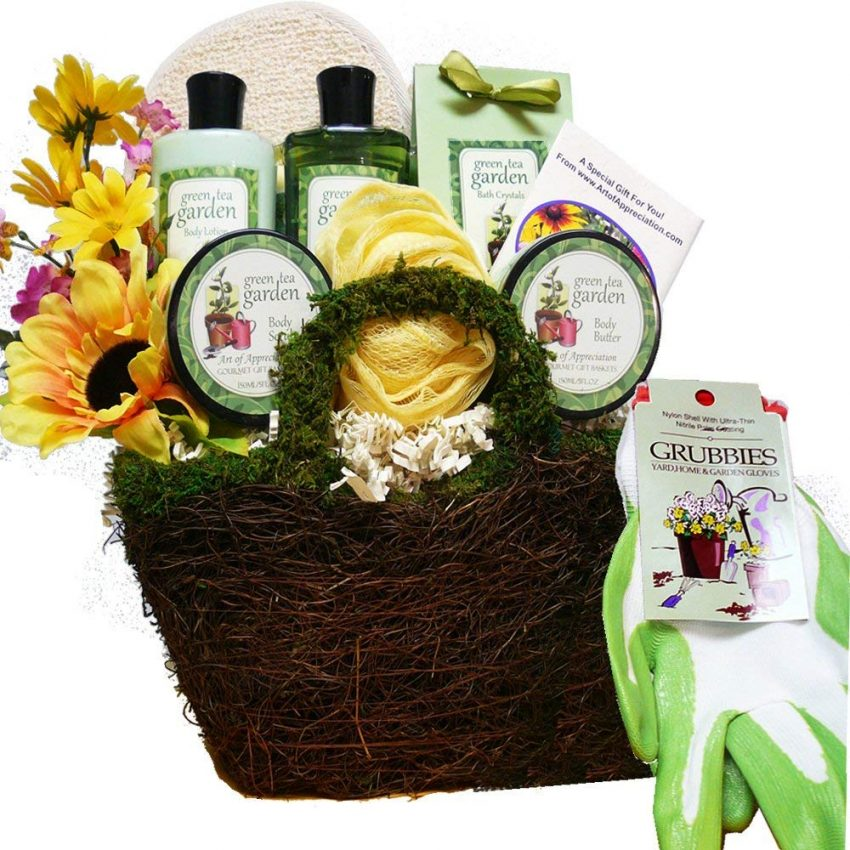 20 Holiday Gift Baskets for the Business Owner on Your List - Gardeners Basket
