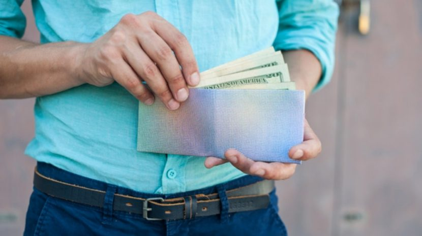 Spotlight: Paperwallet Puts New Spin on Old Product