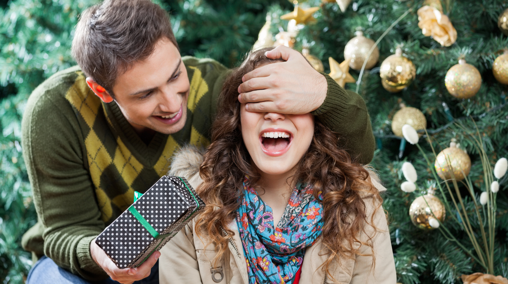 14 Ways Your Retail Store Can Win the Holidays