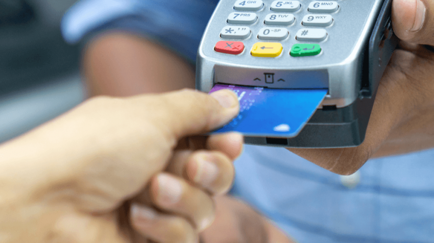 Business Credit Cards: What are They, How They Differ from Personal Credit Cards, and When can Small Businesses Use Them