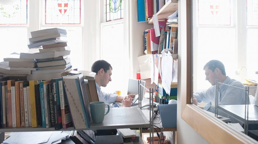 20 Tips to Effectively Reduce Office Clutter