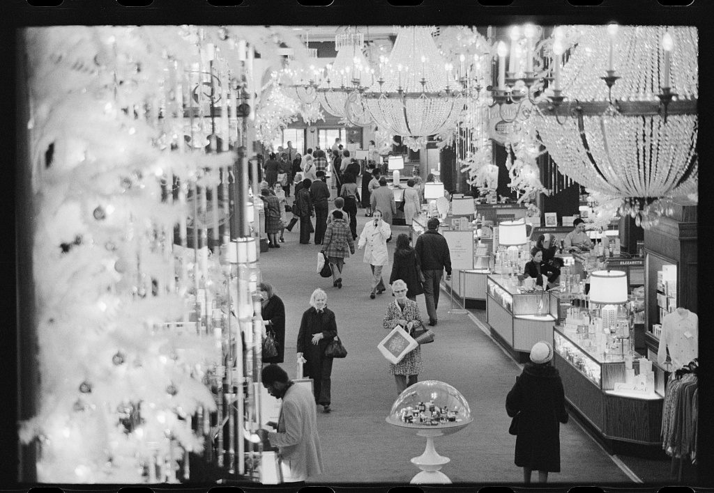 Check Out 21 Incredible Photos of Vintage Retail Stores