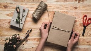 10 Tips on How to Pack and Ship a Gift