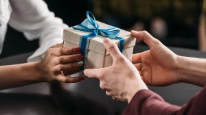 25 Business Gifts for Under $100