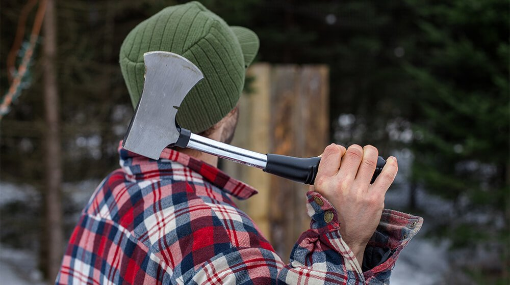 6 Axe Throwing Franchise Ideas to Toss Around