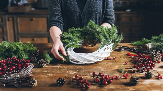 Christmas Wreath Ideas to Make and Sell