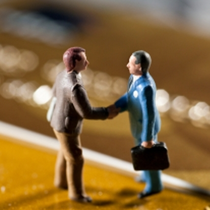 partnership marketing handshake