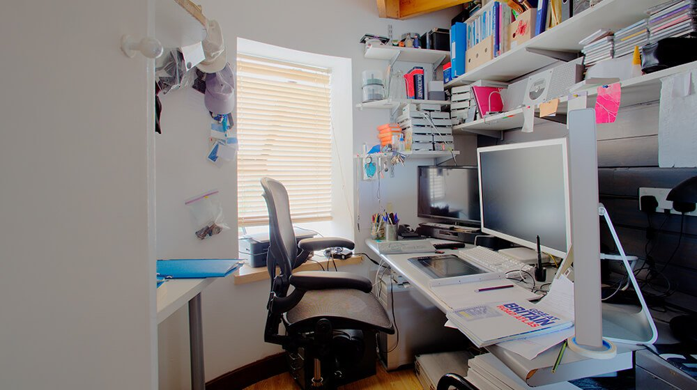 10 Tips to Declutter Your Home Office