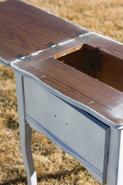 Cooler & Drink Table